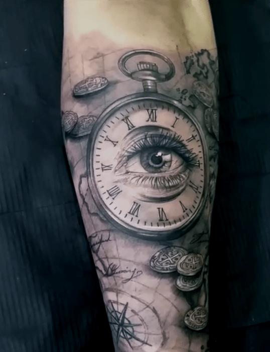 Reloj romano ojo